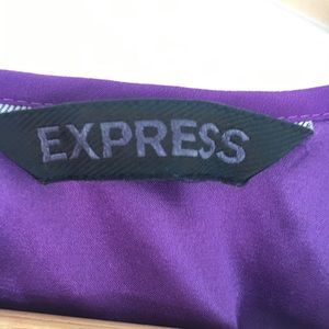 Express Dresses - ⭐️3 for $20⭐️Express purple dress w satiny lining!